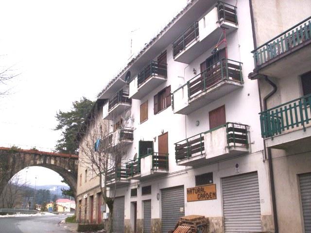 Appartamento in vendita a Spezzano della Sila, 3 locali, zona Località: CamigliatelloSilano, prezzo € 39.000 | Cambio Casa.it