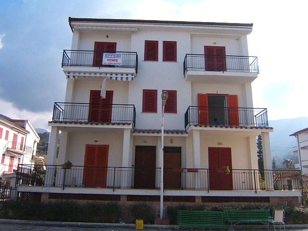 Appartamento in Vendita a Falconara Albanese