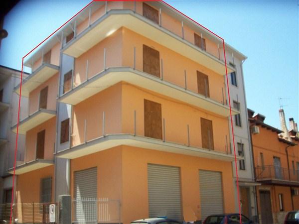 Negozio / Locale in vendita a Crosia, 9999 locali, prezzo € 115.000 | Cambio Casa.it