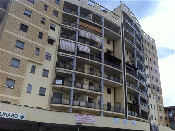 Appartamento in vendita a Cosenza, 5 locali, prezzo € 177.000 | Cambio Casa.it