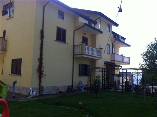 Soluzione Semindipendente in vendita a Spezzano della Sila, 7 locali, prezzo € 200.000 | Cambio Casa.it