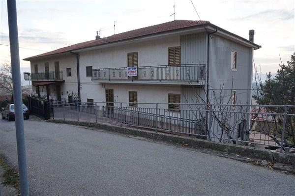 Soluzione Indipendente in vendita a Celico, 15 locali, prezzo € 325.000 | Cambio Casa.it