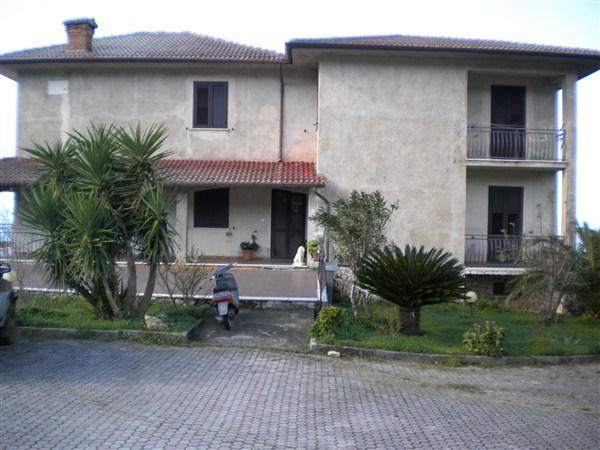 Villa in vendita a San Lucido, 12 locali, prezzo € 400.000 | Cambio Casa.it