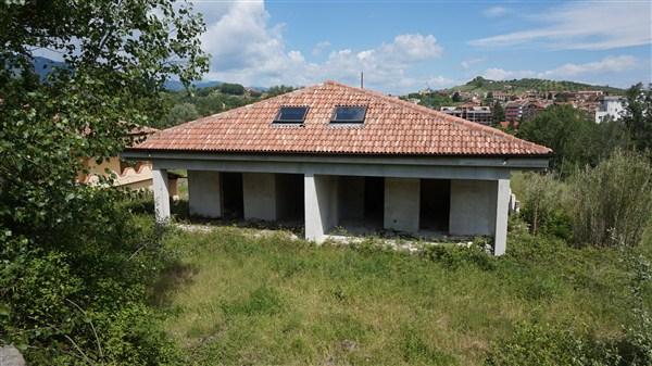 Villa in vendita a Rende, 8 locali, prezzo € 180.000 | Cambio Casa.it