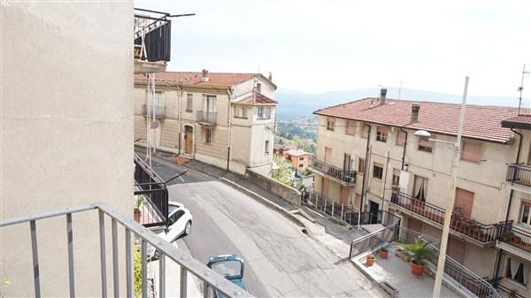 Appartamento in vendita a Spezzano della Sila, 6 locali, prezzo € 45.000 | Cambio Casa.it