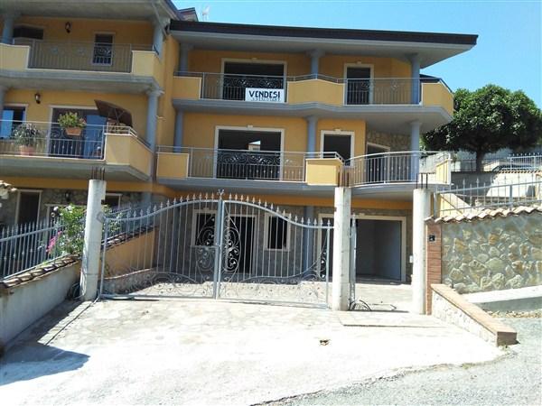 Villa a Schiera in Vendita a Crosia