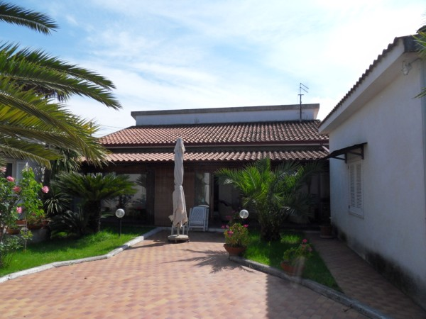 Villa in vendita a Rende, 6 locali, zona Zona: Quattromiglia, prezzo € 270.000 | Cambio Casa.it
