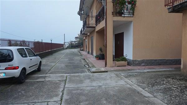 Box / Garage in vendita a Rovito, 9999 locali, zona Zona: Motta, prezzo € 6.500 | Cambio Casa.it