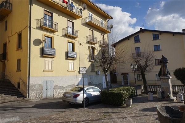 Appartamento in affitto a Spezzano della Sila, 3 locali, prezzo € 250 | Cambio Casa.it