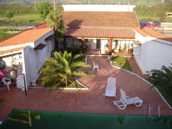 Villa in vendita a Rende, 6 locali, zona Zona: Quattromiglia, prezzo € 250.000   CambioCasa.it