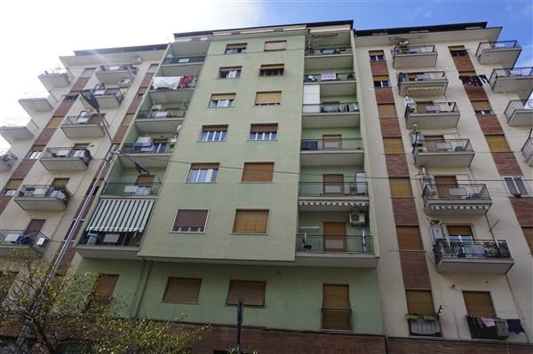 Appartamento in vendita a Cosenza, 5 locali, zona Località: MuoioPiccolo, prezzo € 90.000 | CambioCasa.it