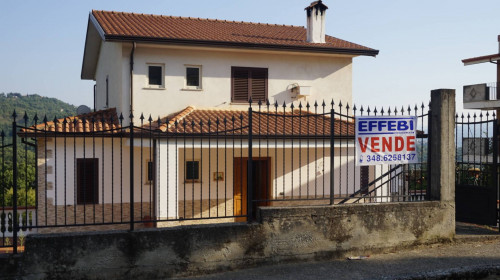 Vai alla scheda: Villa singola Vendita Rovito