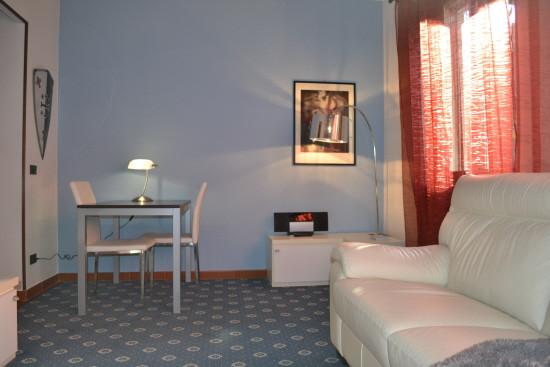 Vendita bilocale Milano Via Alcuino, 65 metri quadri