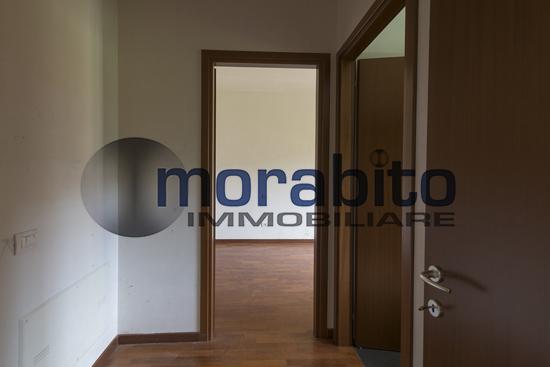 Bilocale Milano Via Barnaba Oriani 4