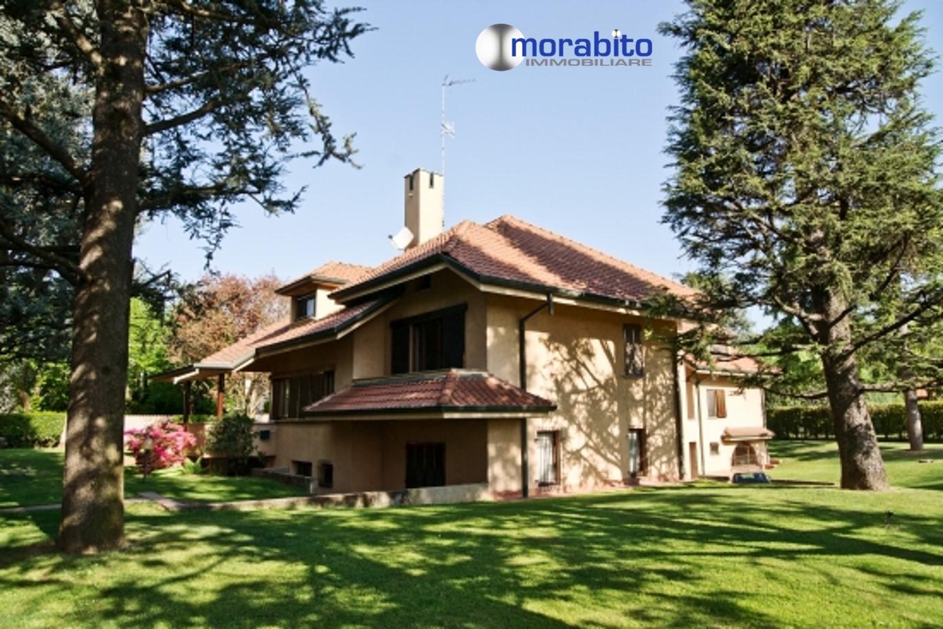 Soluzione Indipendente in vendita a Gerenzano, 10 locali, zona Località: SorgenteSanGiacomo, prezzo € 1.200.000 | CambioCasa.it