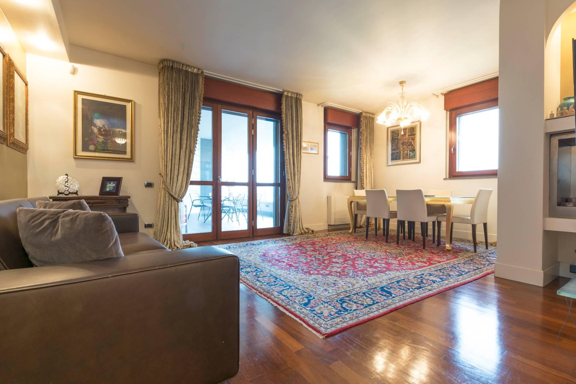 Appartamento in vendita a Milano, 4 locali, zona Località: Accursio, prezzo € 690.000 | CambioCasa.it