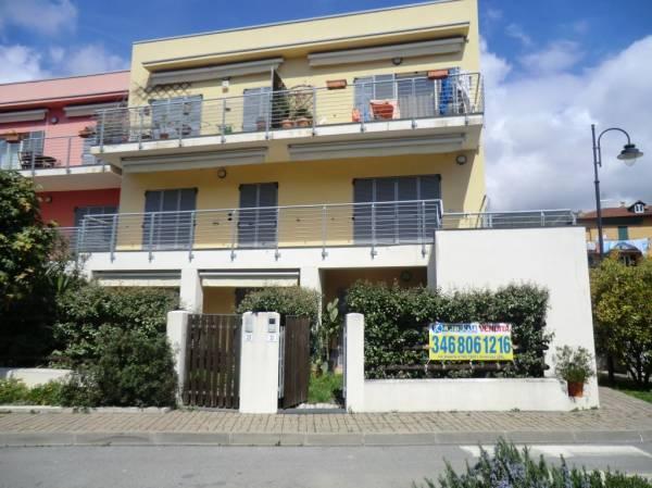 Appartamento in vendita a Arenzano, 3 locali, zona Zona: Terralba, prezzo € 285.000 | Cambio Casa.it