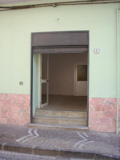 Negozio / Locale in affitto a Mariglianella, 9999 locali, prezzo € 300 | CambioCasa.it