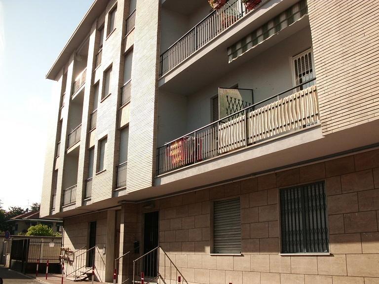Appartamento in vendita a Limbiate, 3 locali, prezzo € 120.000 | Cambio Casa.it