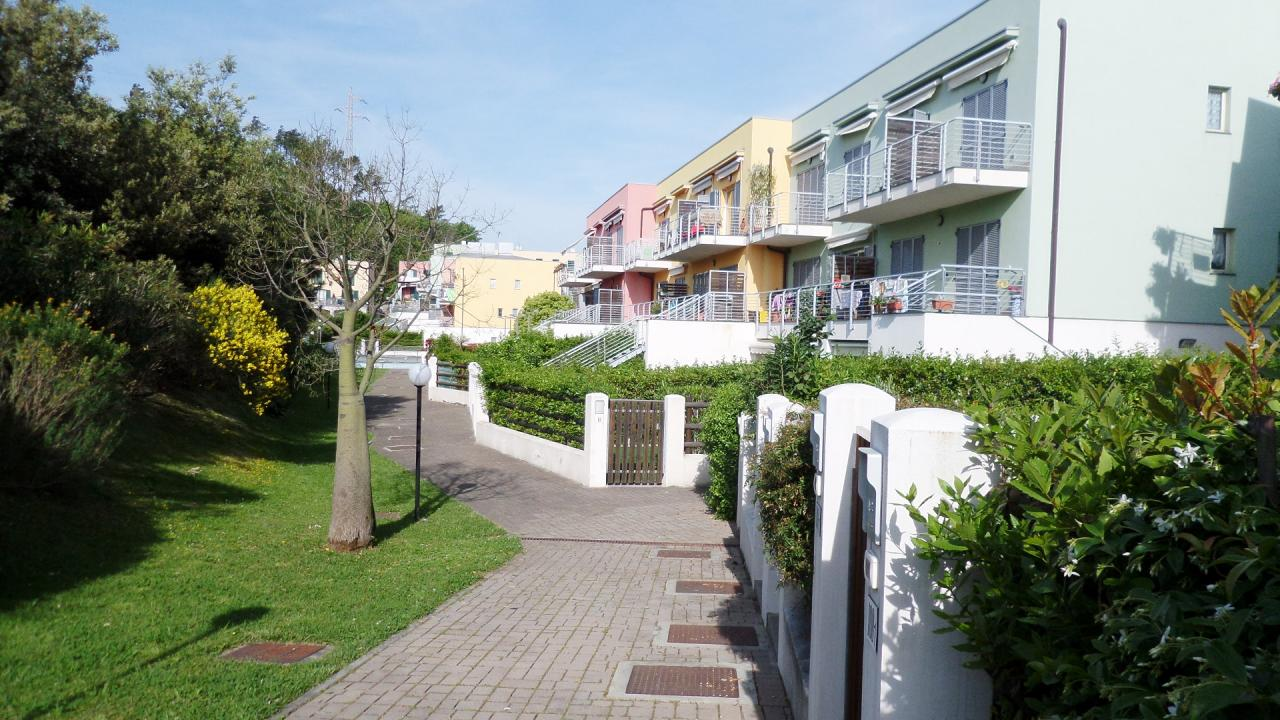 Appartamento in vendita a Arenzano, 2 locali, zona Zona: Terralba, prezzo € 230.000 | Cambio Casa.it