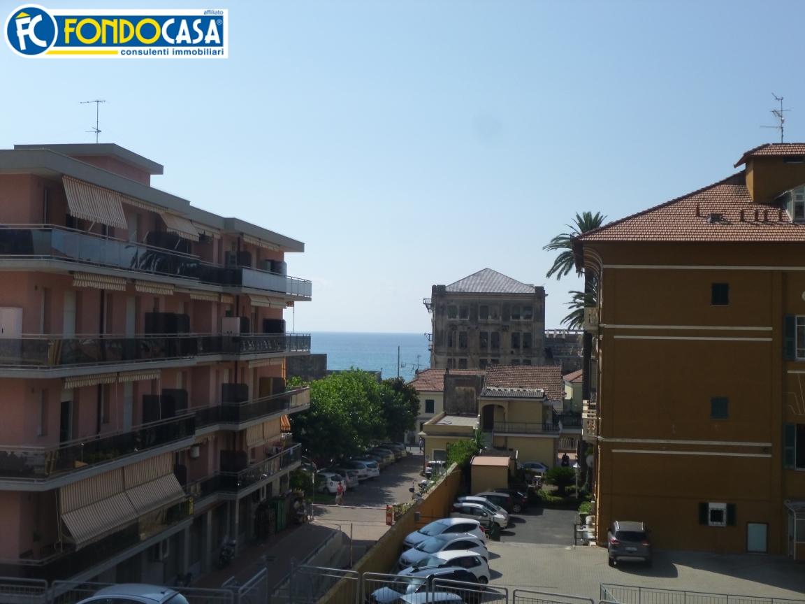 Bilocale Pietra Ligure Via Garibaldi 1