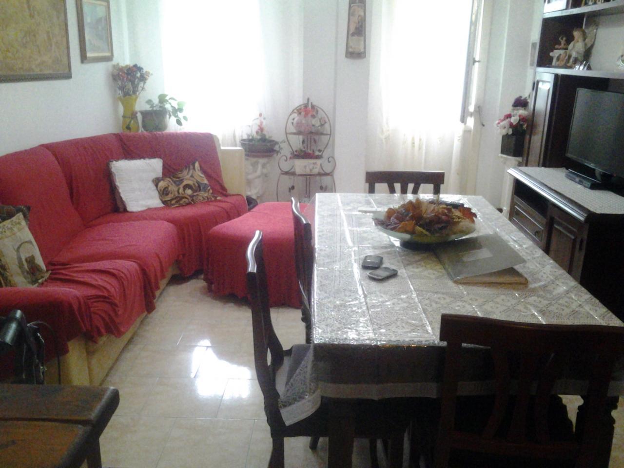 Appartamento in vendita a Limbiate, 3 locali, prezzo € 84.000 | Cambio Casa.it