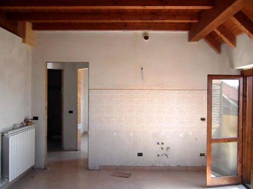 Bilocale Busto Arsizio Via Dairago 4