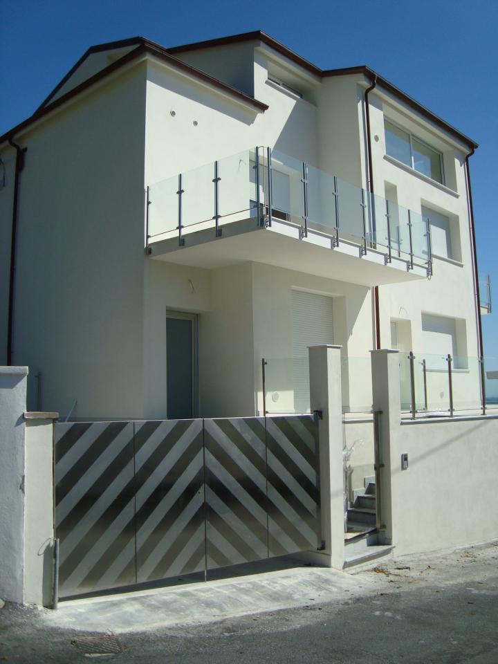 Palazzo / Stabile in vendita a Albenga, 3 locali, Trattative riservate | Cambio Casa.it
