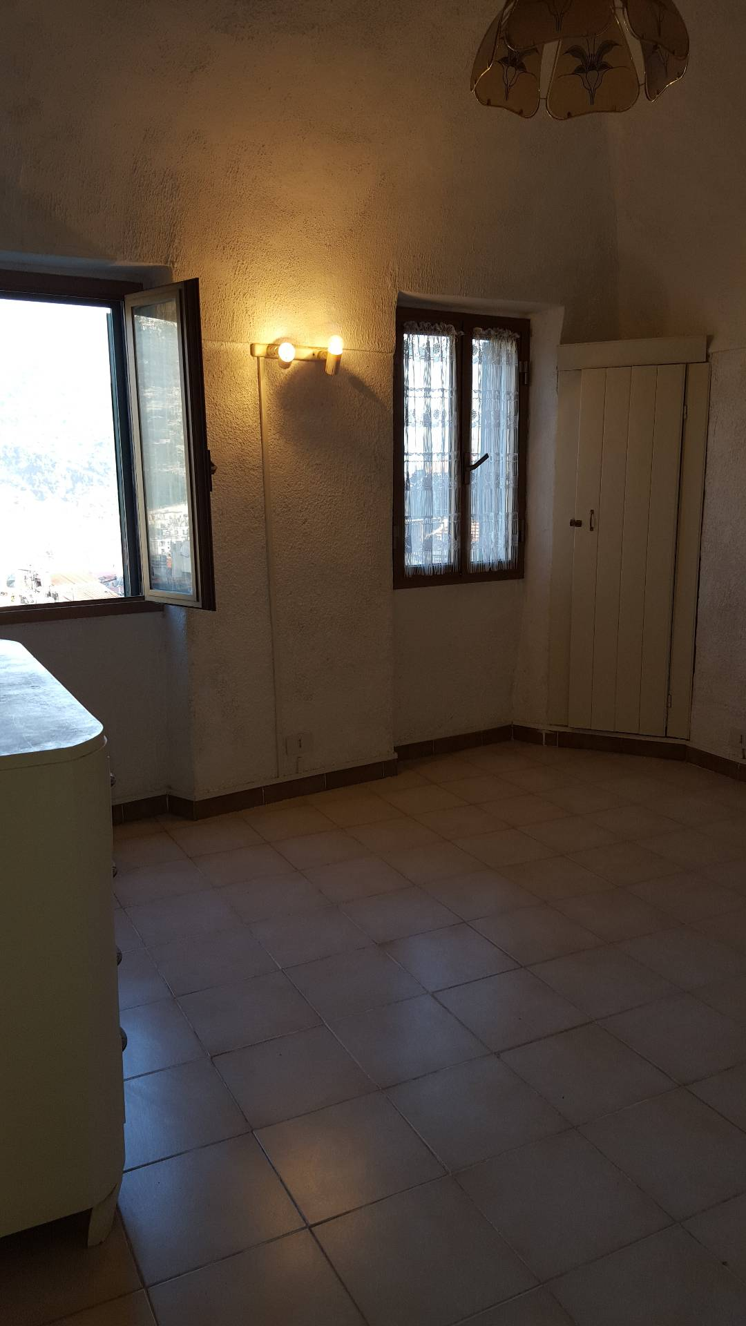 Bilocale Ventimiglia Via Salita Alle Mura 2