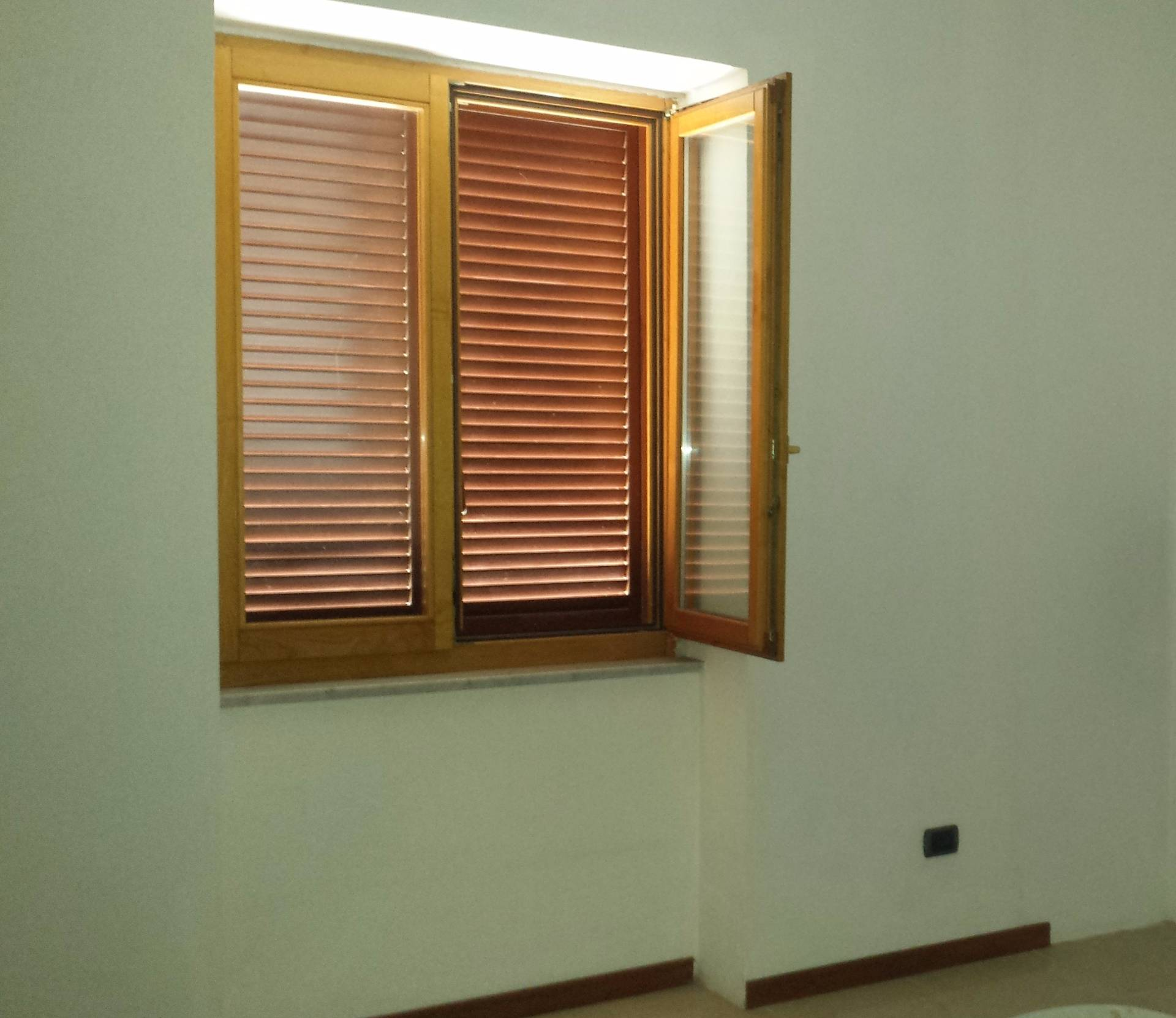 Ufficio / Studio in affitto a Brusciano, 9999 locali, prezzo € 400 | Cambio Casa.it