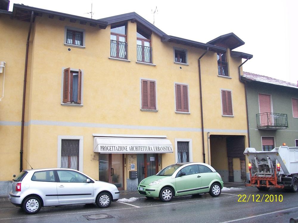 Bilocale Arcore Via Cesare Battisti 1