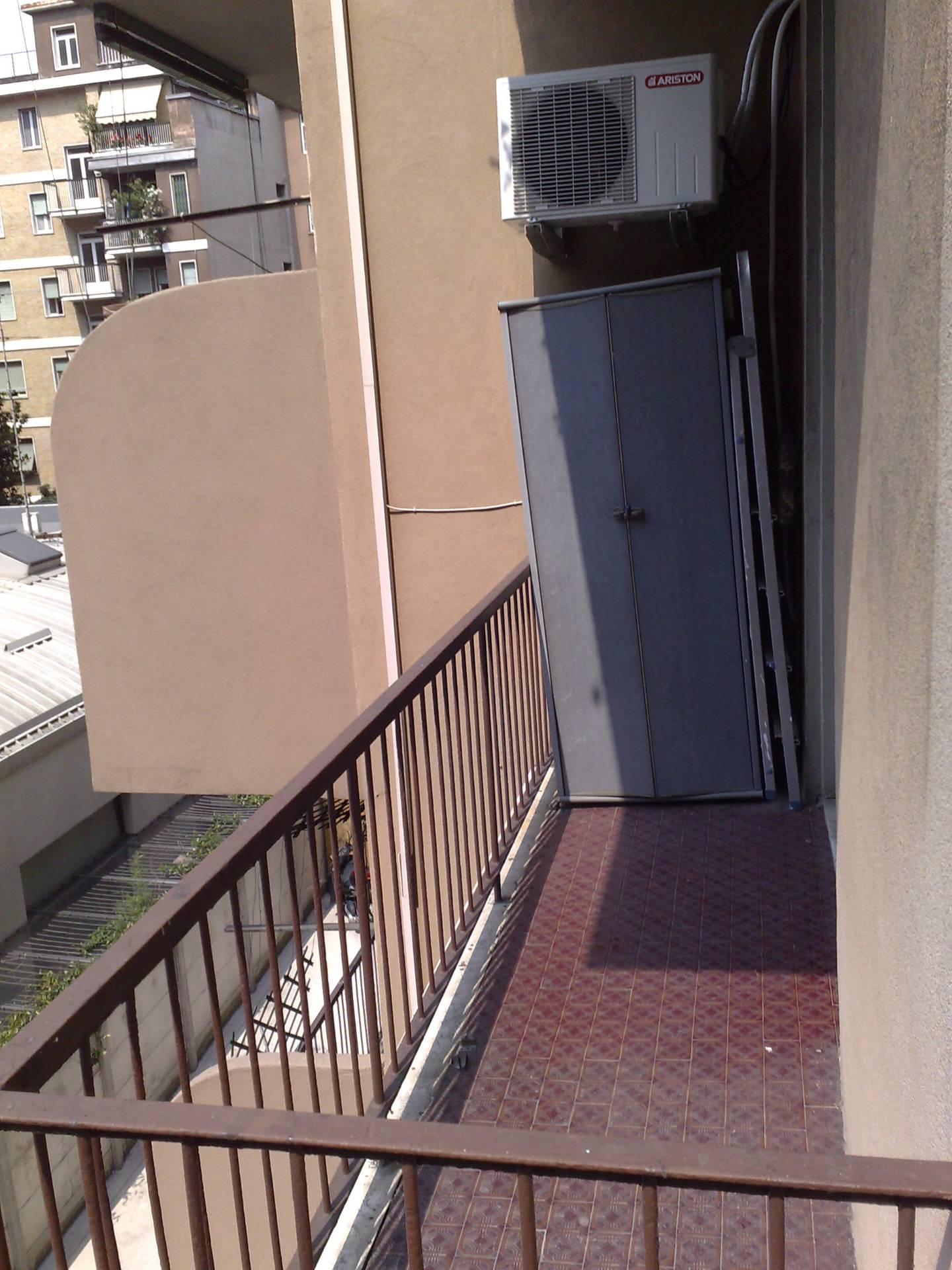 Bilocale Milano Viale Monte Ceneri 9