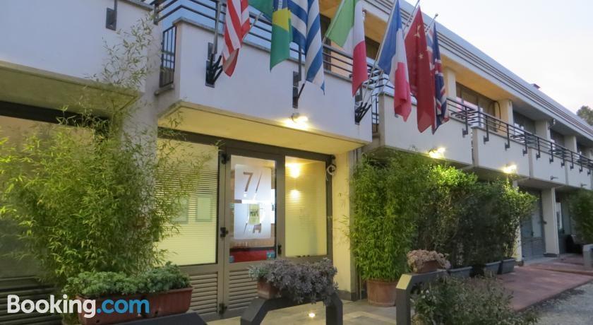 Attivita'-licenza in Vendita a Milano 23 Forlanini / Mecenate: 869 mq  - Foto 1
