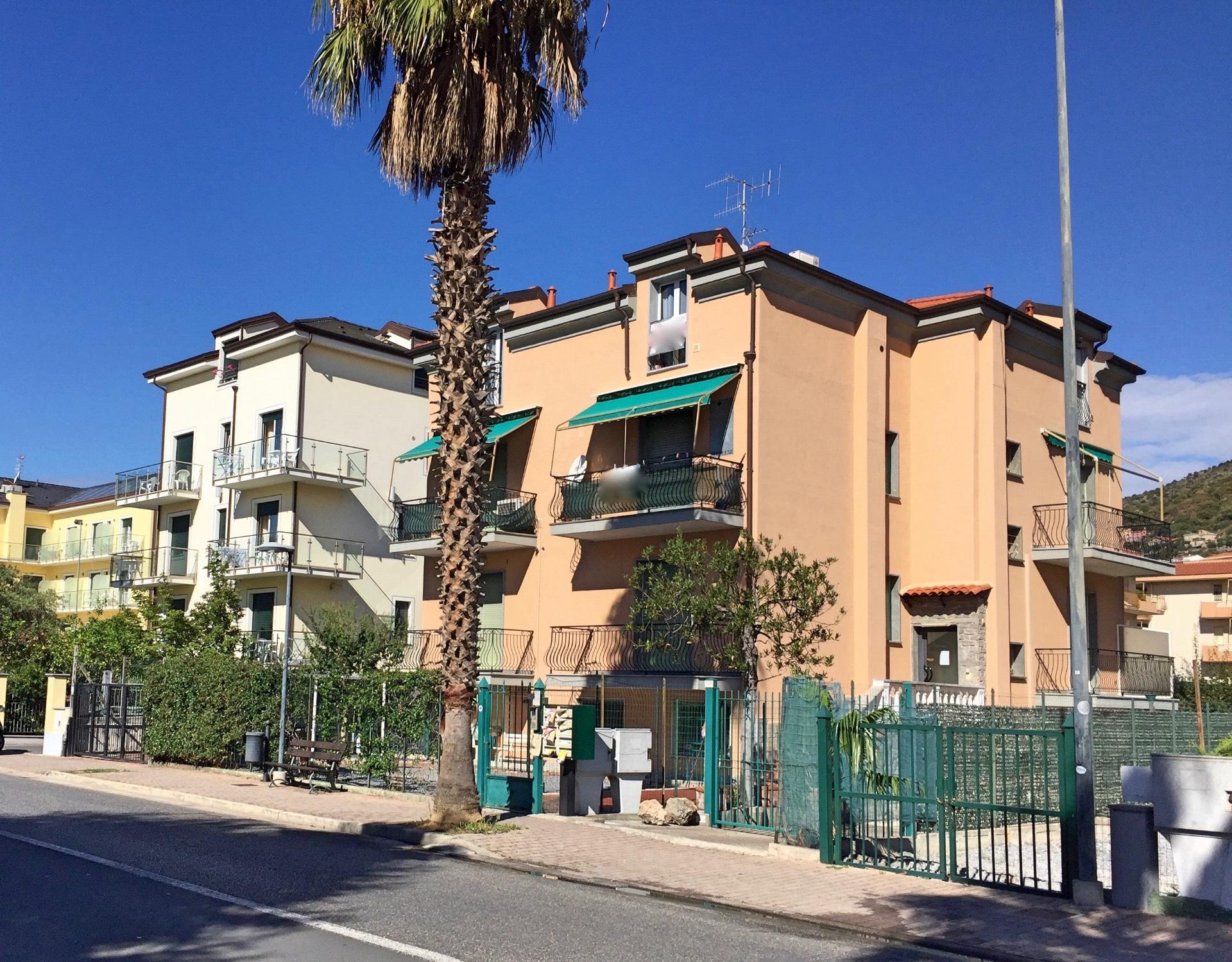 Attico / Mansarda in vendita a Pietra Ligure, 2 locali, zona Località: VialeRepubblica, prezzo € 205.000 | CambioCasa.it