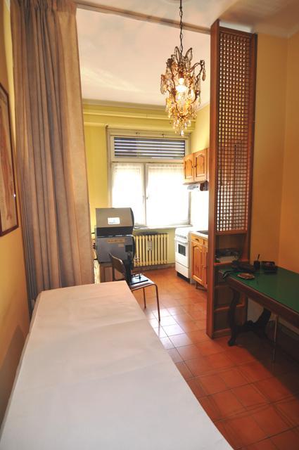Bilocale Torino Via Nizza 10