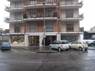 Locale commerciale in Affitto a Moncalieri
