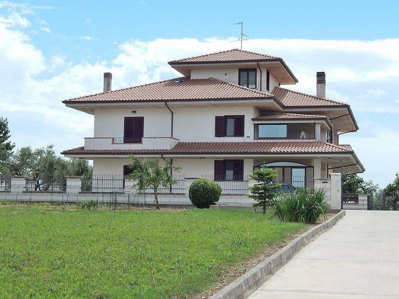 Villa in Vendita a Pianella