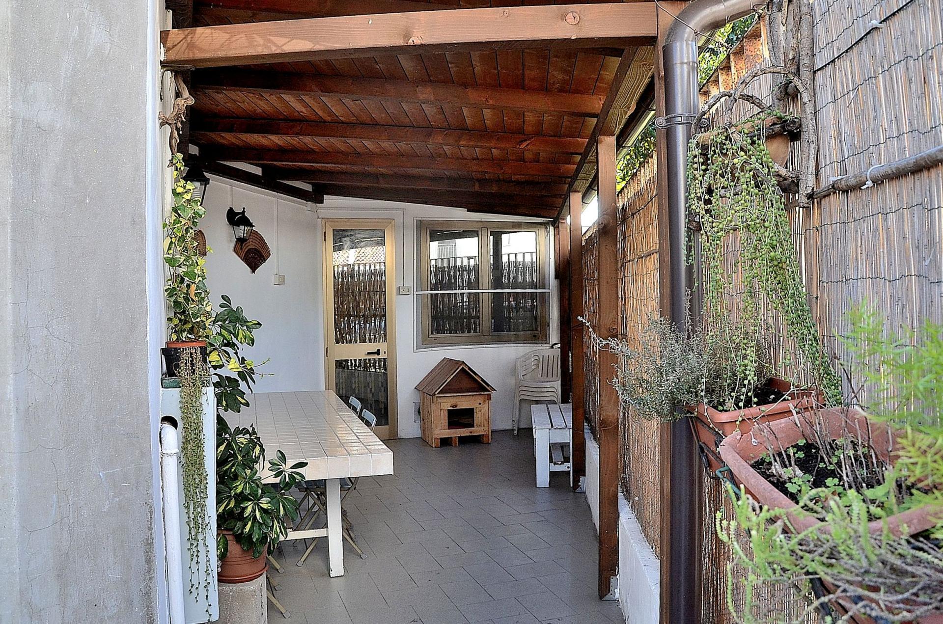 Soluzione Indipendente in vendita a Montesilvano, 8 locali, zona Località: centro, prezzo € 227.000 | Cambio Casa.it