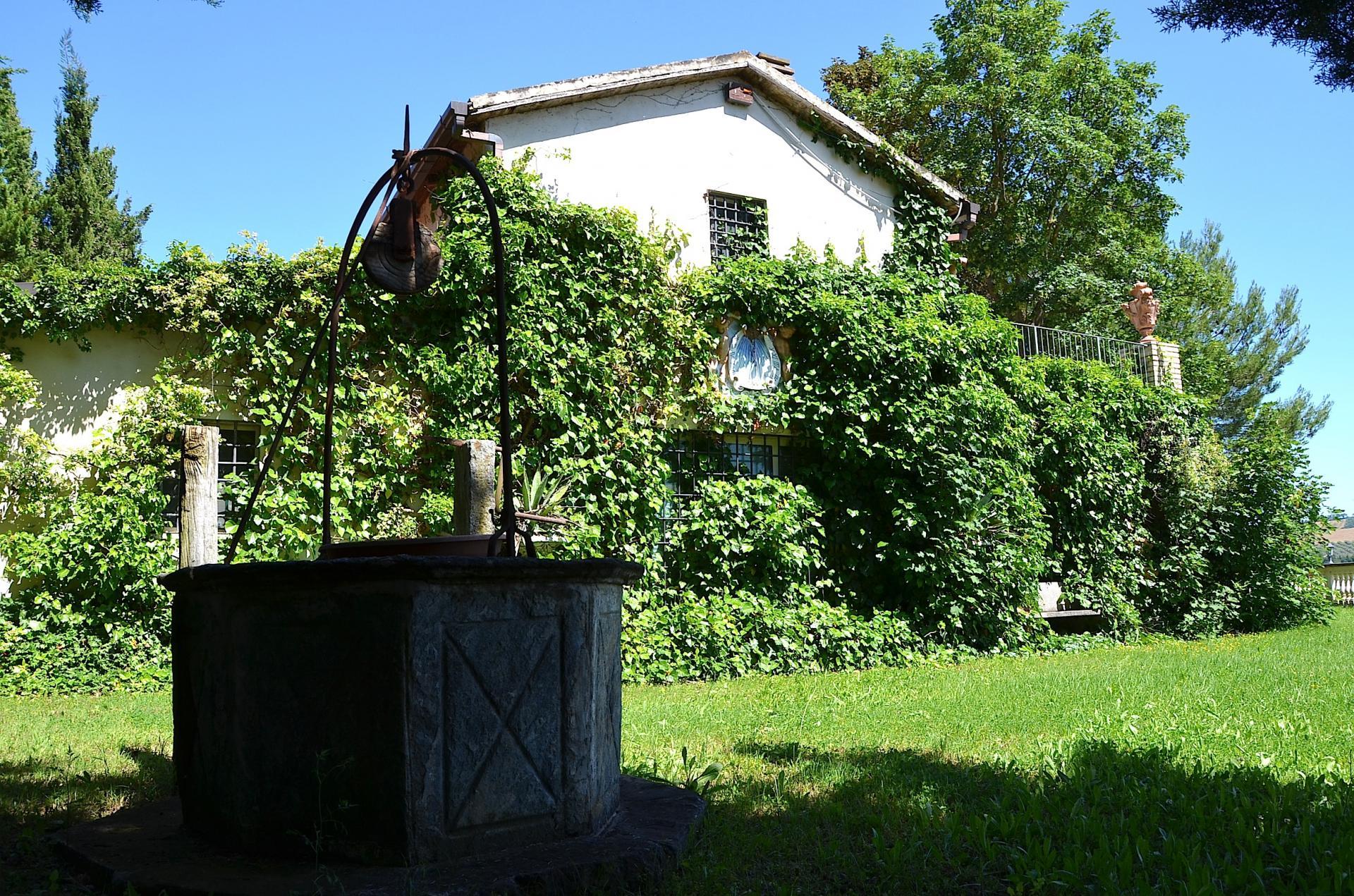 Villa in Vendita a Loreto Aprutino