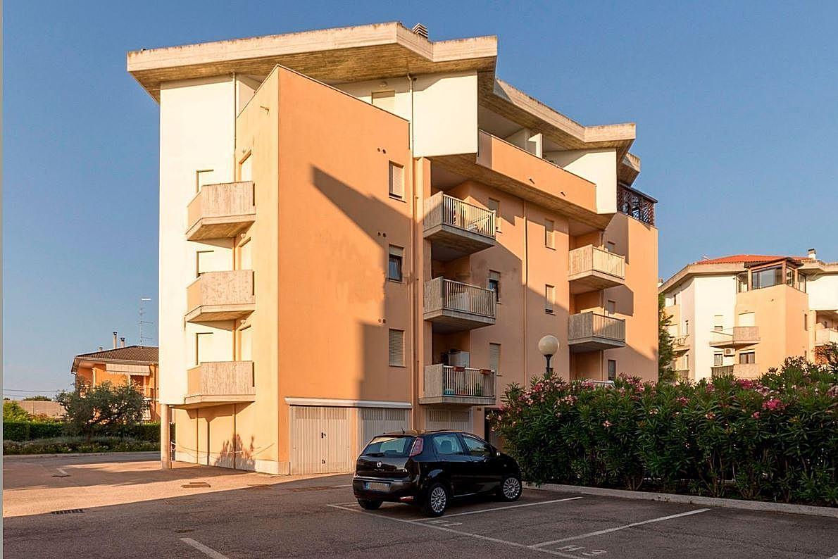 Attico / Mansarda in vendita a Montesilvano, 5 locali, zona Località: centro, prezzo € 165.000   CambioCasa.it