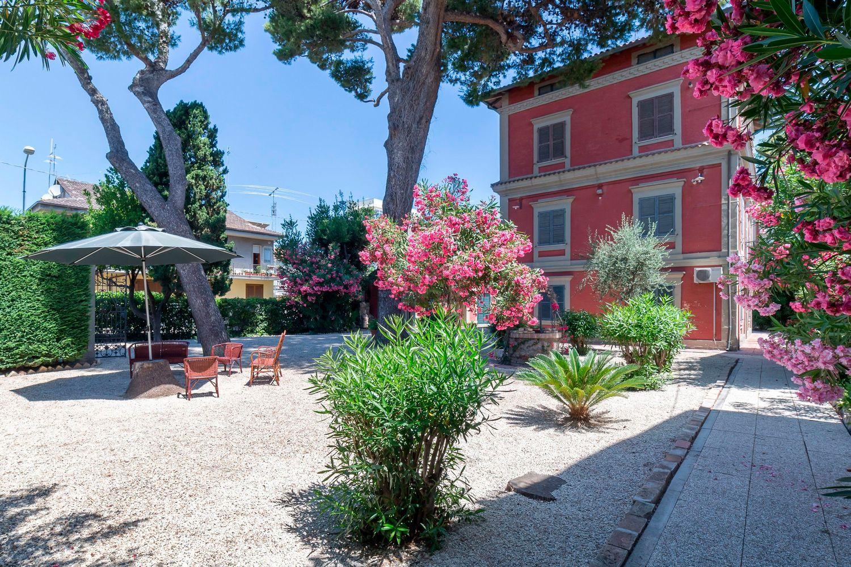 Villa in vendita a Montesilvano, 16 locali, zona Località: mare, prezzo € 796.000 | CambioCasa.it