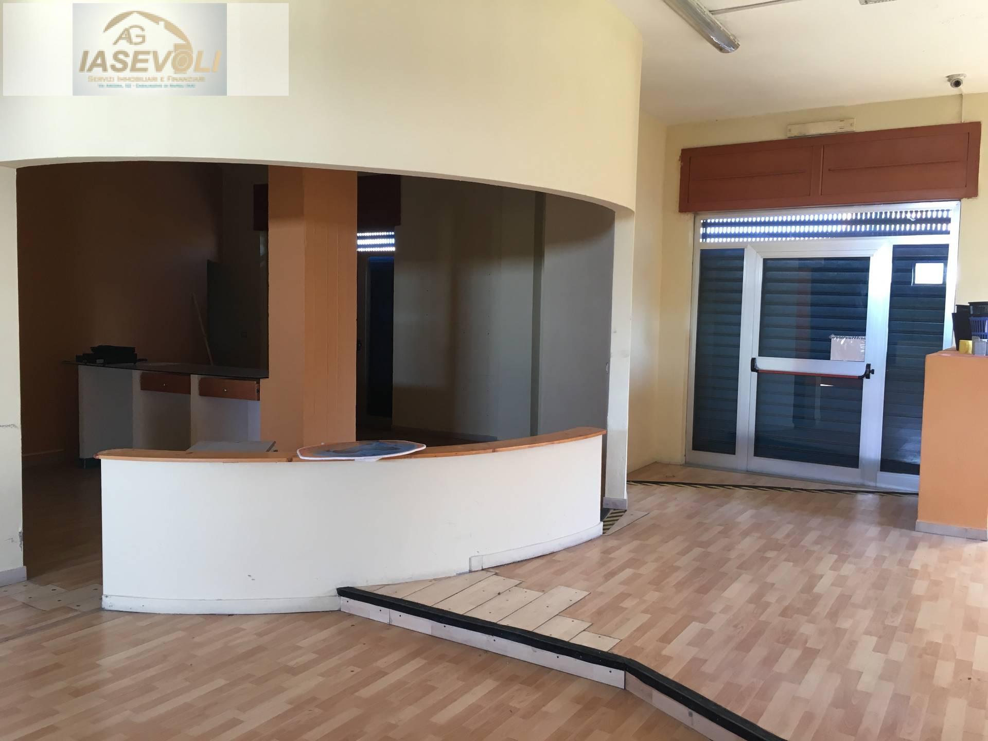 Attività / Licenza in affitto a Casalnuovo di Napoli, 9999 locali, zona Zona: Tavernanova, prezzo € 1.650 | Cambio Casa.it