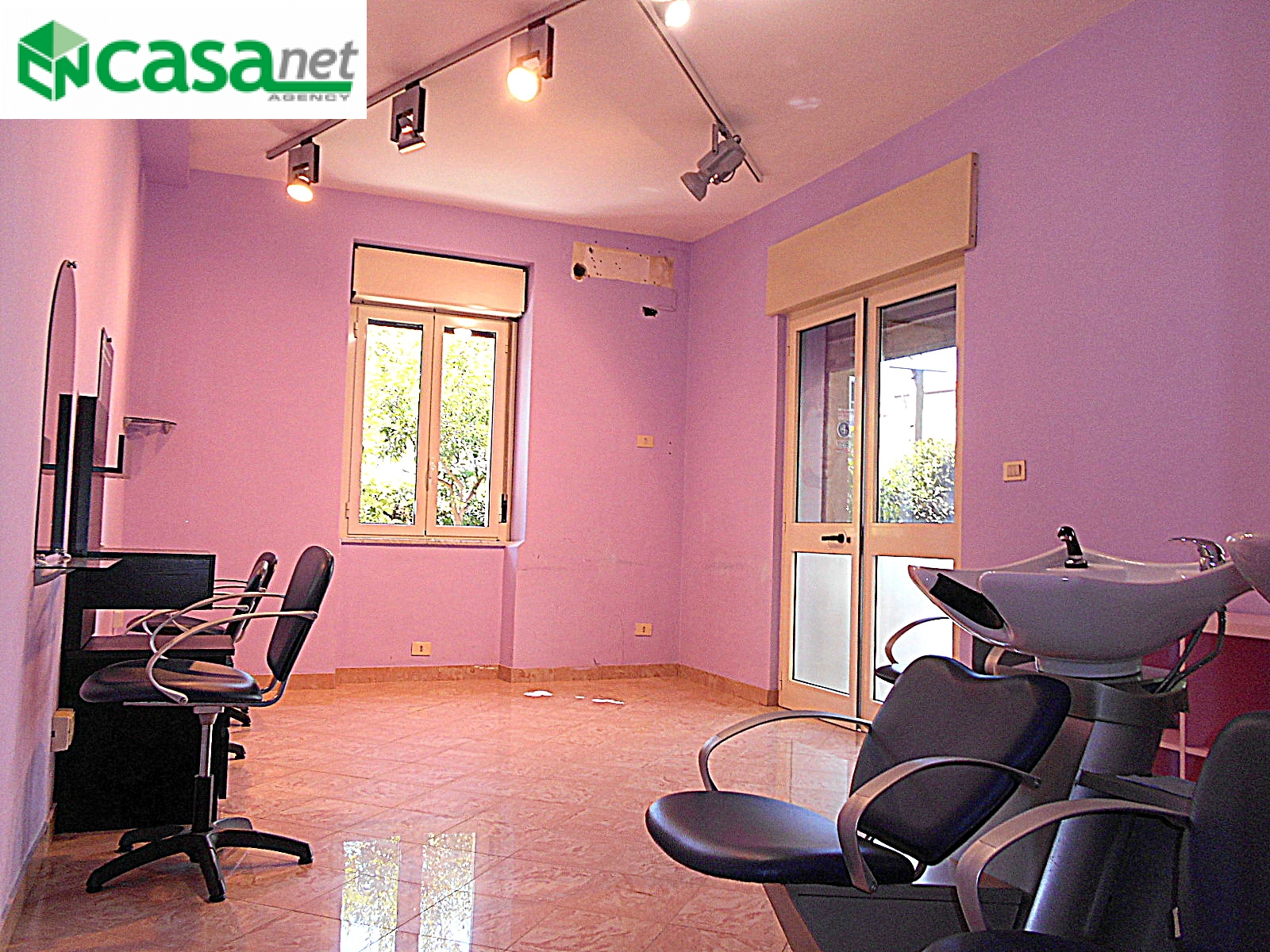 Negozio / Locale in affitto a Guidonia Montecelio, 9999 locali, zona Zona: Guidonia, prezzo € 480 | CambioCasa.it