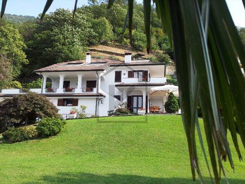 Villa in Affitto a Bellano: 5 locali, 250 mq