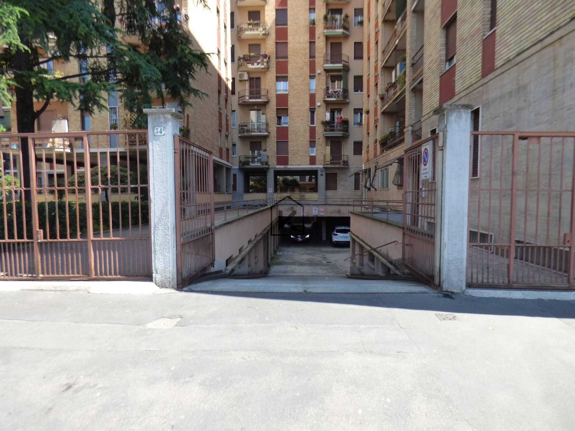 Magazzino in Vendita a Milano: 1 locali, 140 mq