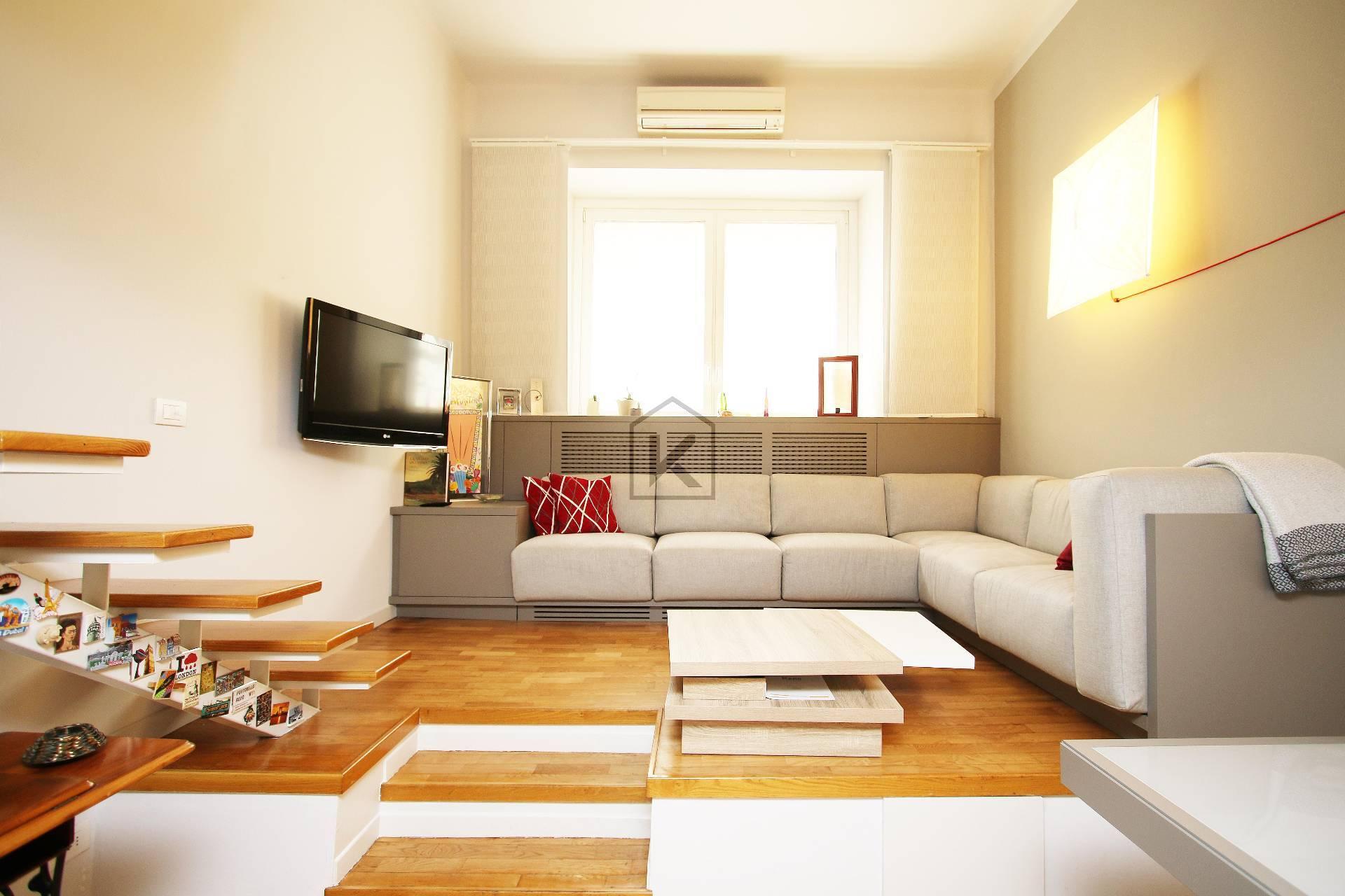 Loft open space in Vendita a Milano 10 Isola / Centrale / Gioia: 3 locali, 90 mq