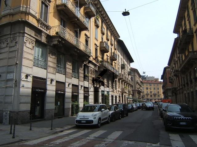 Negozio-locale in Vendita a Milano: 1 locali, 70 mq
