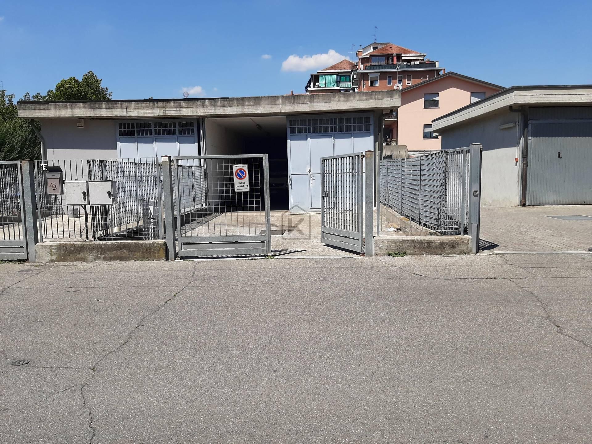 Magazzino in Vendita a Segrate: 1 locali, 100 mq