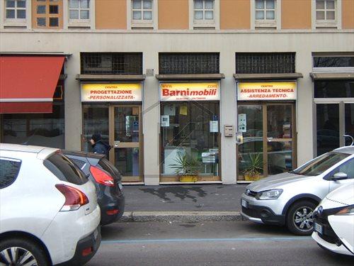 Negozio-locale in Vendita a Milano 19 Farini / Maciachini / Gattamelata / Sempione / Monumentale: 1 locali, 65 mq
