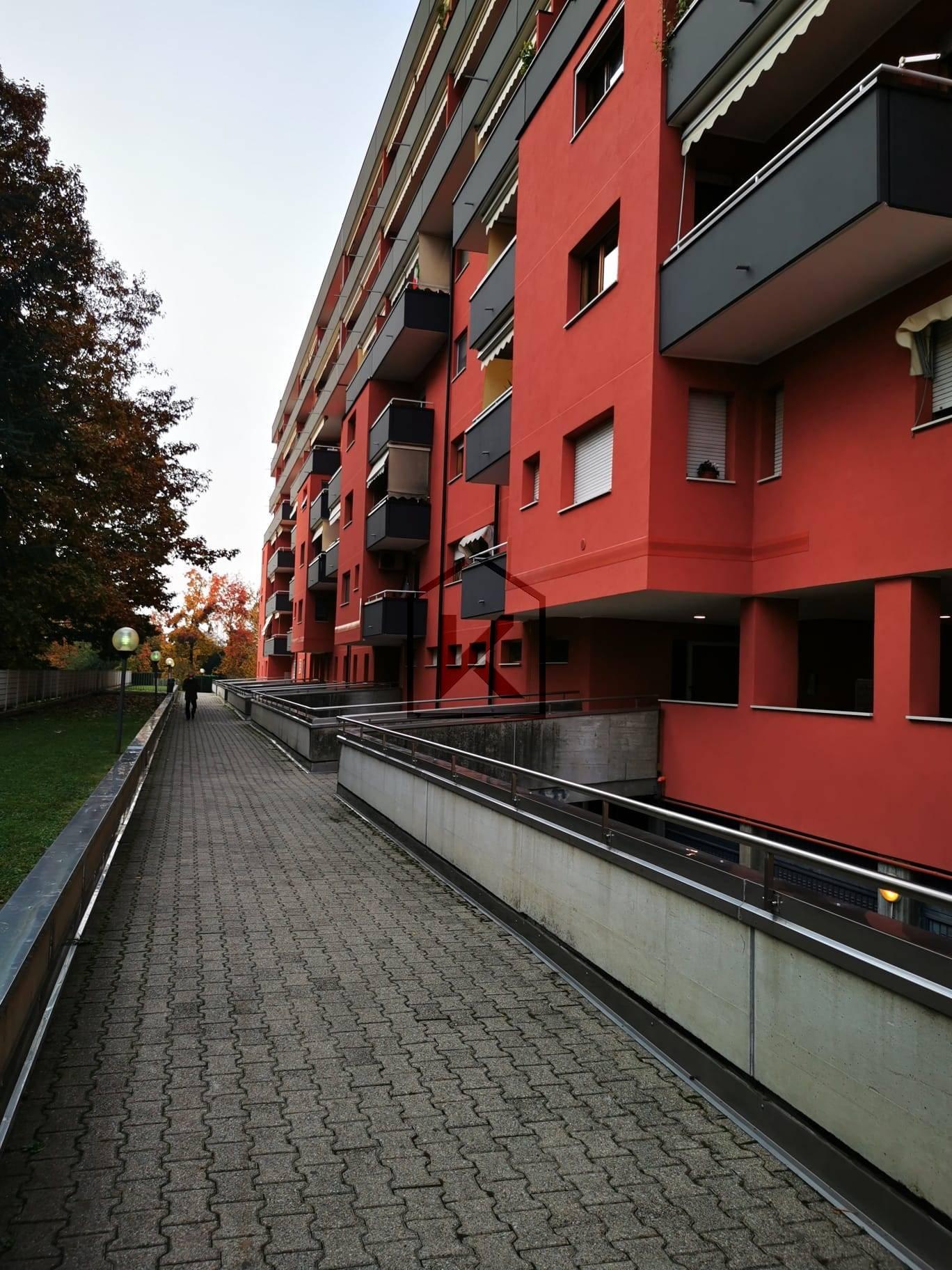 Appartamento in Vendita a Segrate: 3 locali, 90 mq